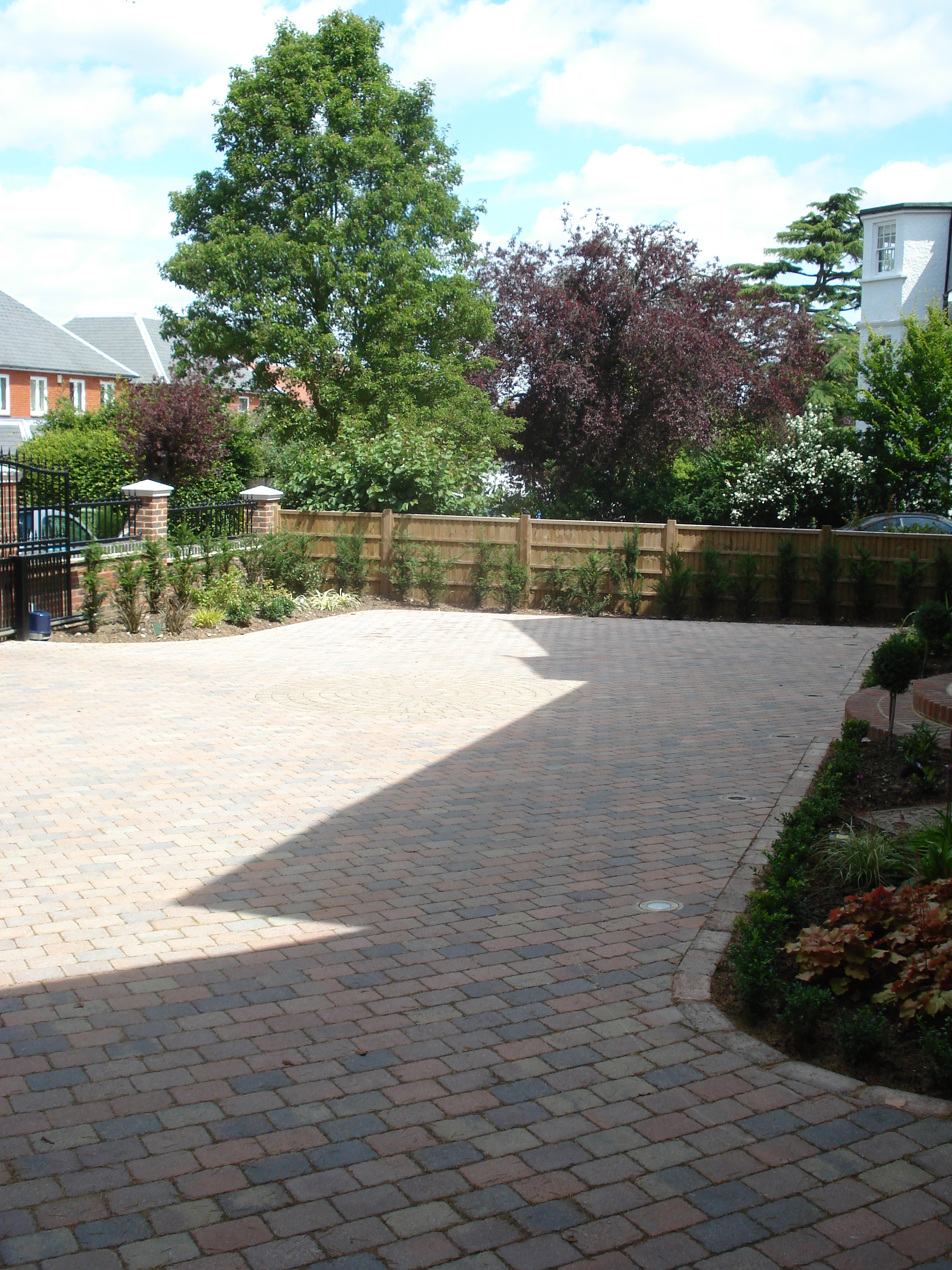 Front Garden - Tegula paving provides ample space for parking